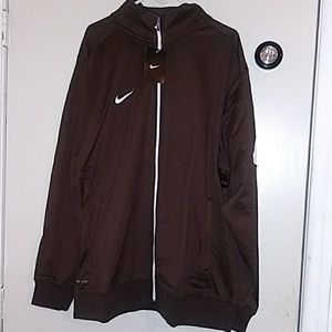 Nike sweater size XL NWT
